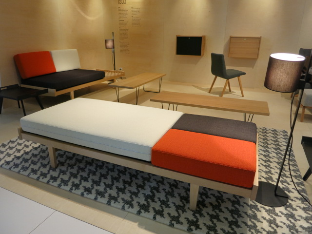 vive les ann es 50 r dition de pierre paulin chez ligne roset d nicher. Black Bedroom Furniture Sets. Home Design Ideas