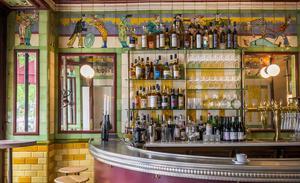 restaurant-clown-bar