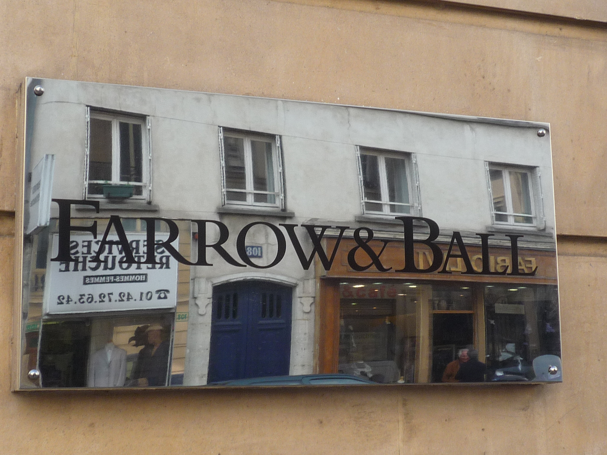 Apr s la mode les boutiques de d co fleurissent dans le marais denicher - Farrow and ball marais ...