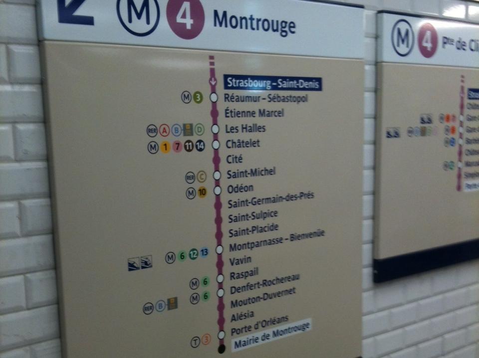 Le m tro parisien en plein rush d nicher - 30 avenue de la porte de clignancourt ...