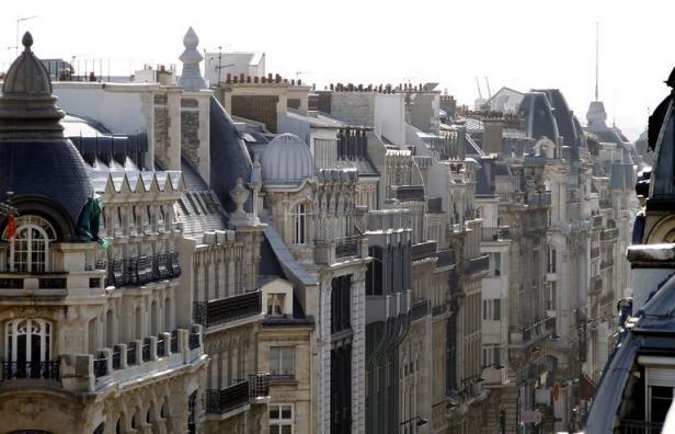 comment se porte l 39 immobilier de luxe parisien d nicher. Black Bedroom Furniture Sets. Home Design Ideas